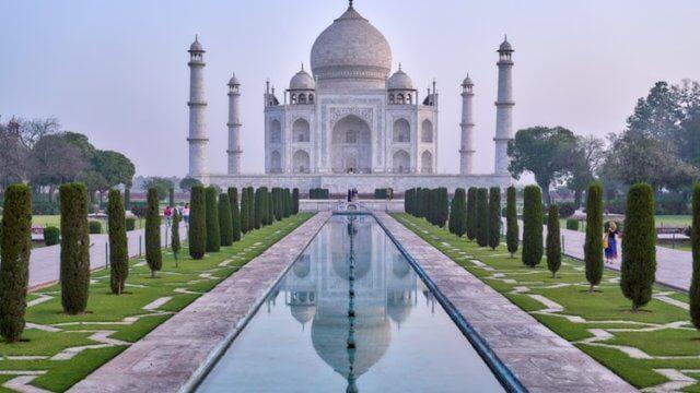 インドのシンボル・タージマハル
